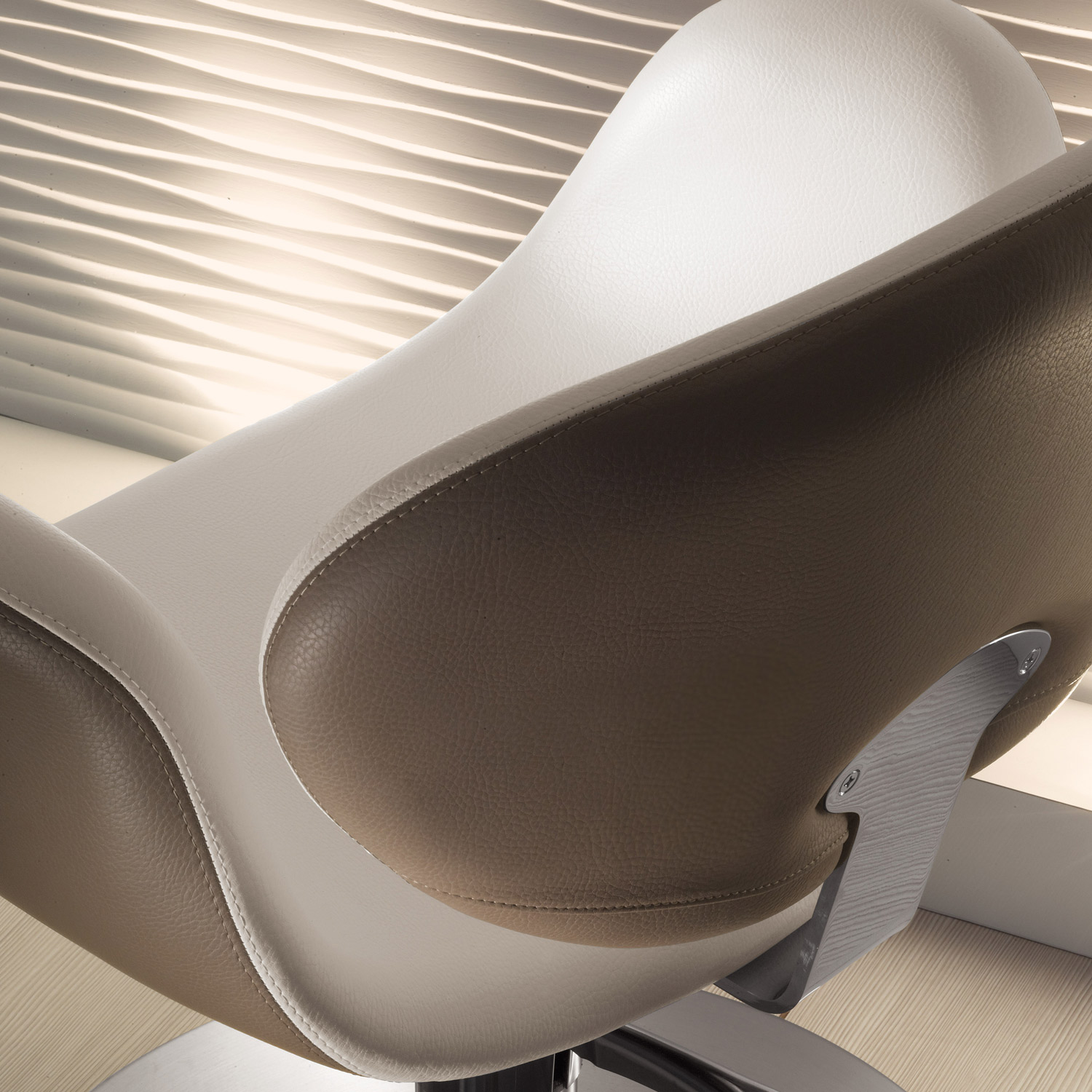 Amber Modern Styling Chair by Salon Ambience alternative product image 9